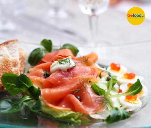 Cá hồi Nauy làm salad