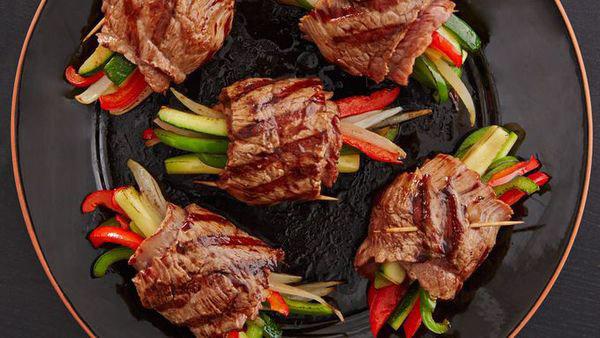 Thịt diềm thăn bò nướng rau củ