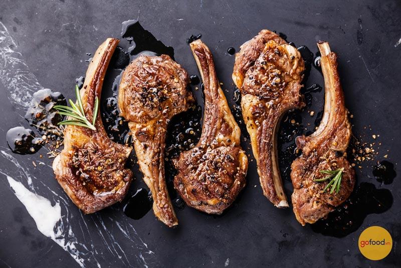 Cùng tìm hiểu cách chế biến Steak sườn cừu Úc sang trọng