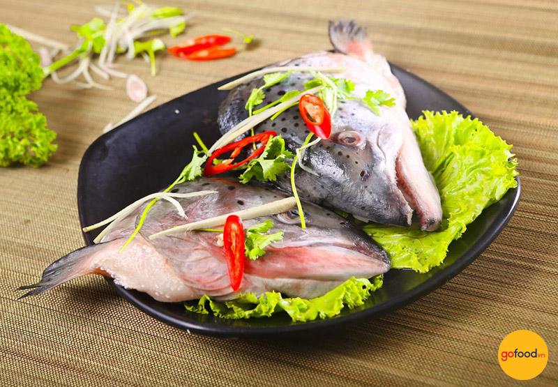 Đầu cá hồi Nauy nấu măng thơm ngon, hấp dẫn
