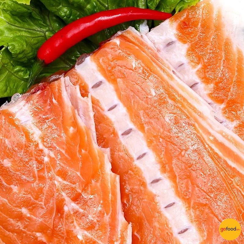 Xương cá hồi chứa nhiều canxi tốt cho xương khớp